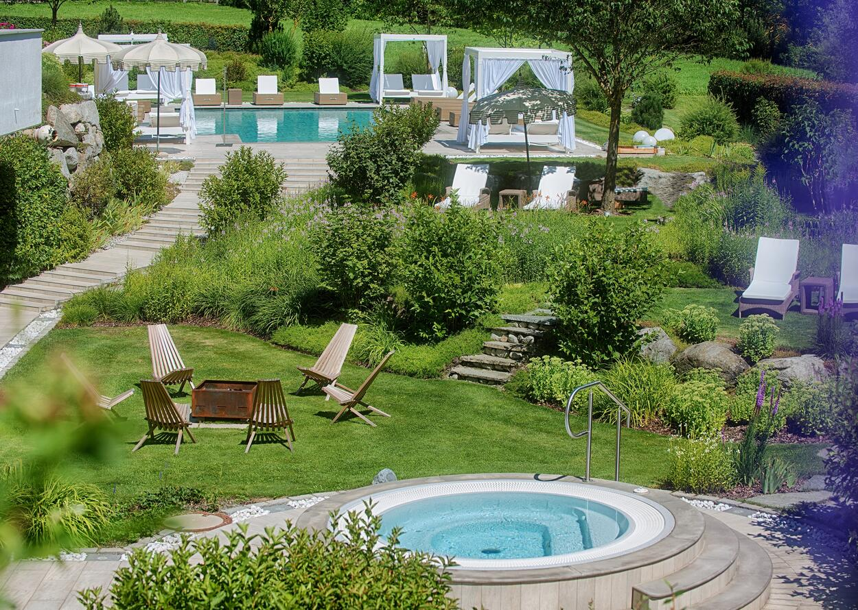 Garden | 5 Star Superior Wellnesshotel Alpenpalace, South Tyrol