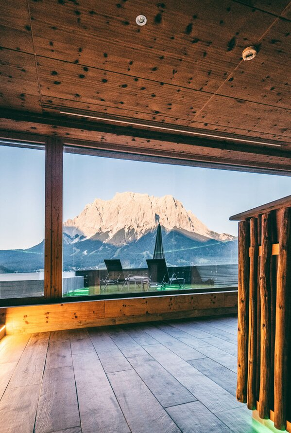 Holzsauna mit Bergblick | Best Alpine Wellness Hotel Post, Tirol
