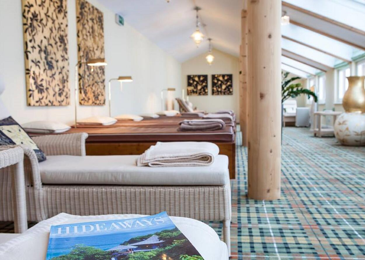 Enjoying in the Relaxation Area | Wellnesshotel Theresa, Zillertal